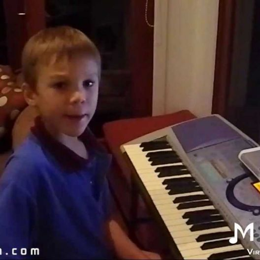 Piano Video: Online Piano Lesson #32 - Twinkle Twinkle