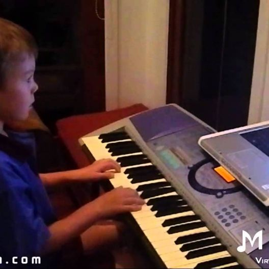Piano Video: Online Piano Lesson #31 - Frere Jacques