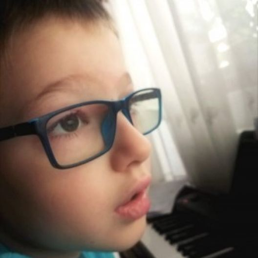 Musiah Review: Boy's Skills Amaze Piano Professor